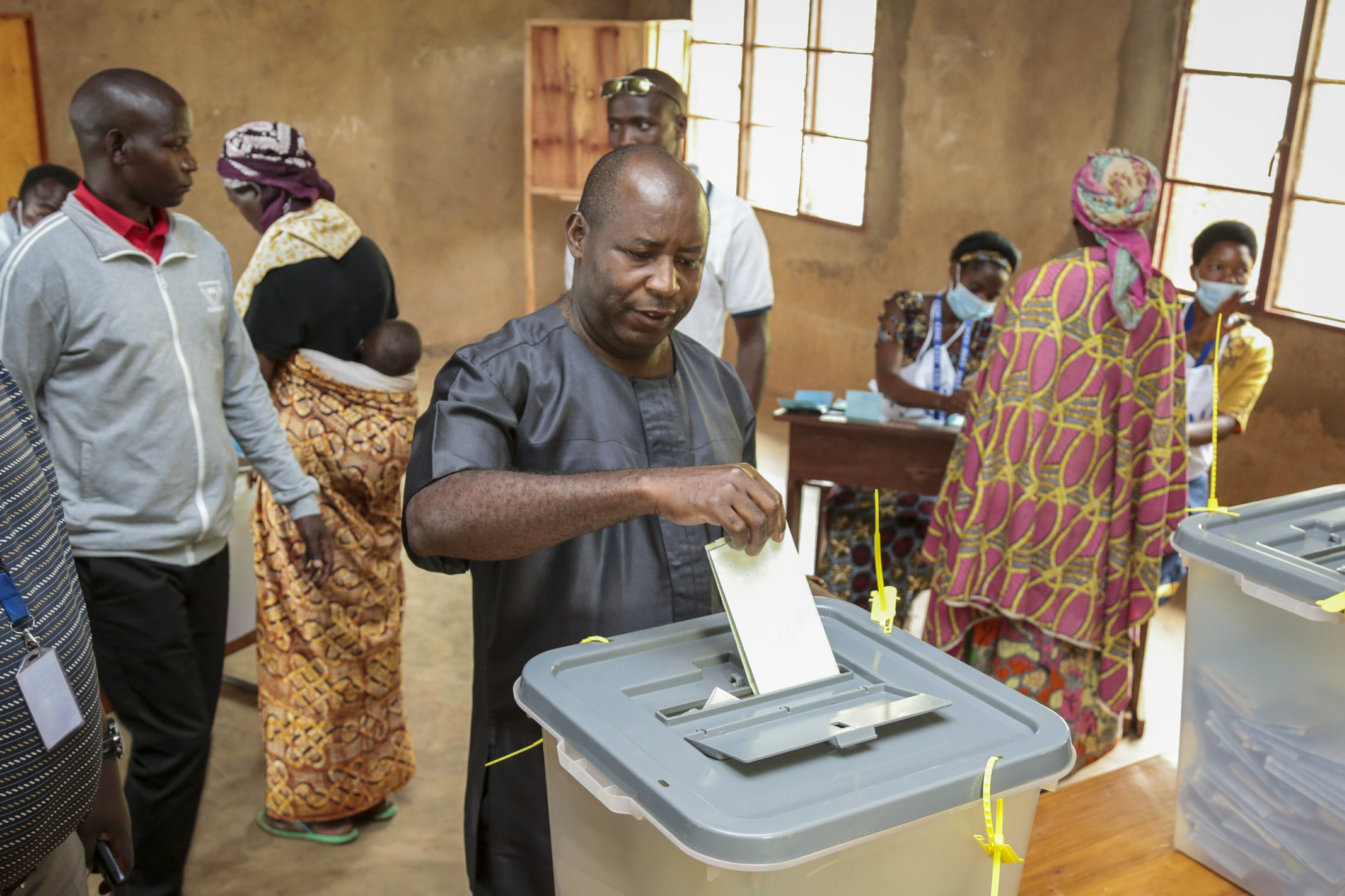 Ruling party's candidate wins Burundi's presidential poll