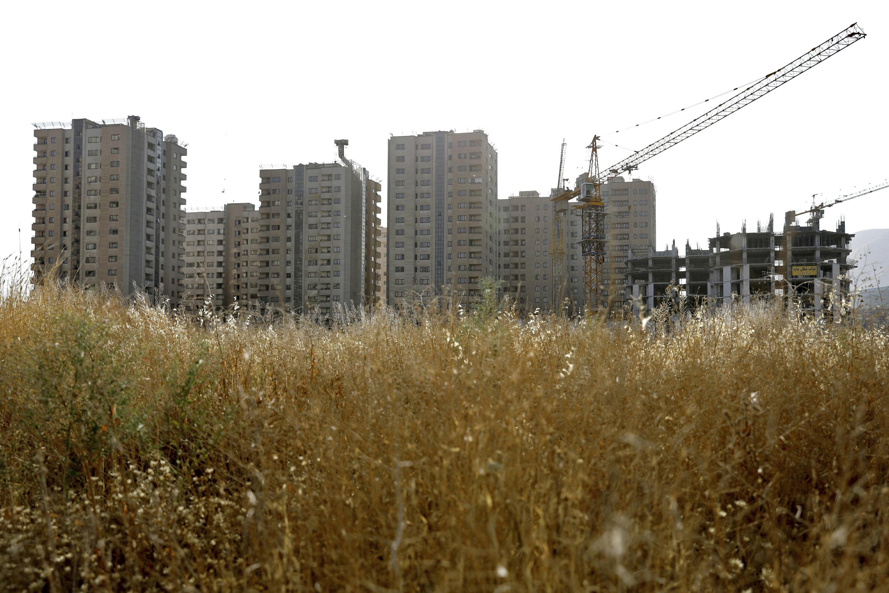 US sanctions squeeze Iran middle class, upend housing sector