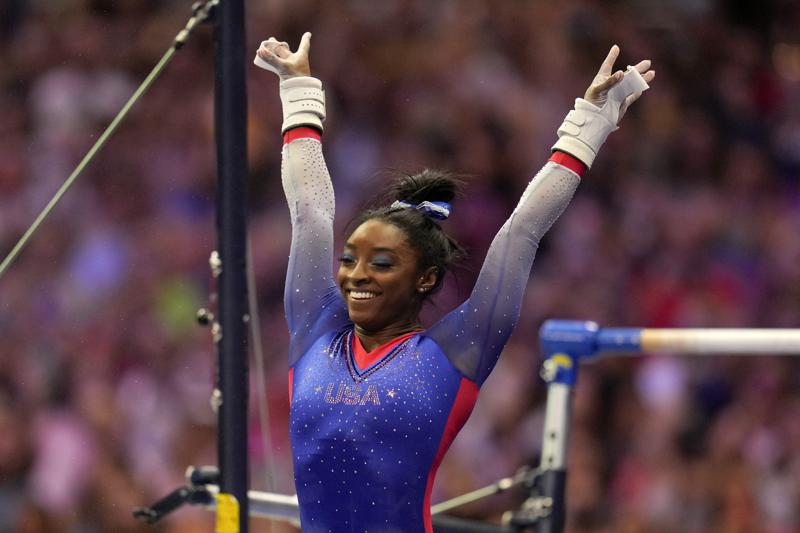 Simone Biles Soars to Lead at U.S. Olympic Trials