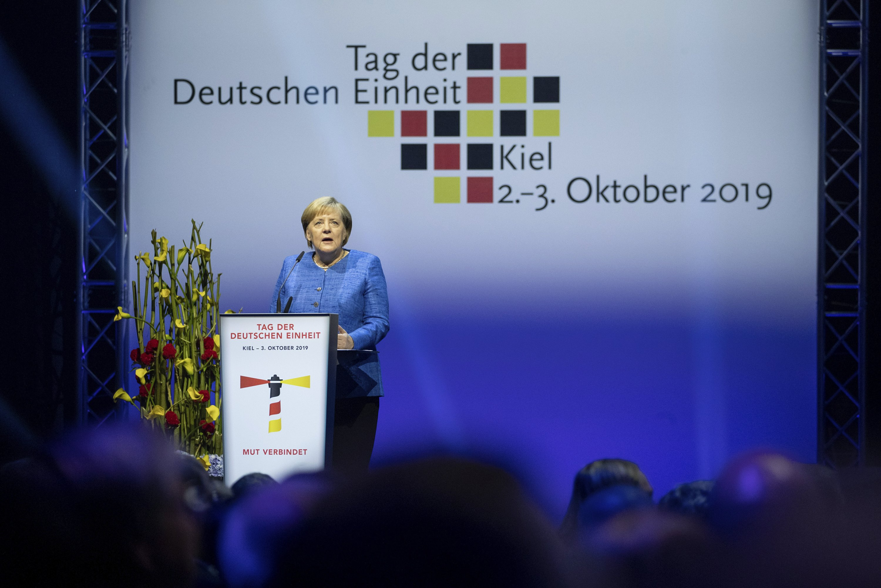 Merkel: German reunification is an ongoing process
