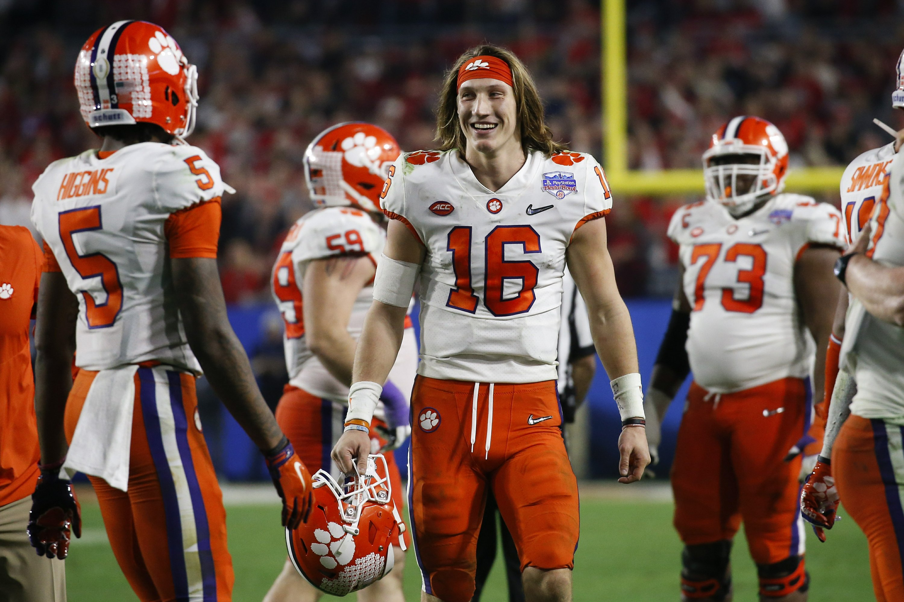 LSU, Clemson arrive in New Orleans for CFP championship game