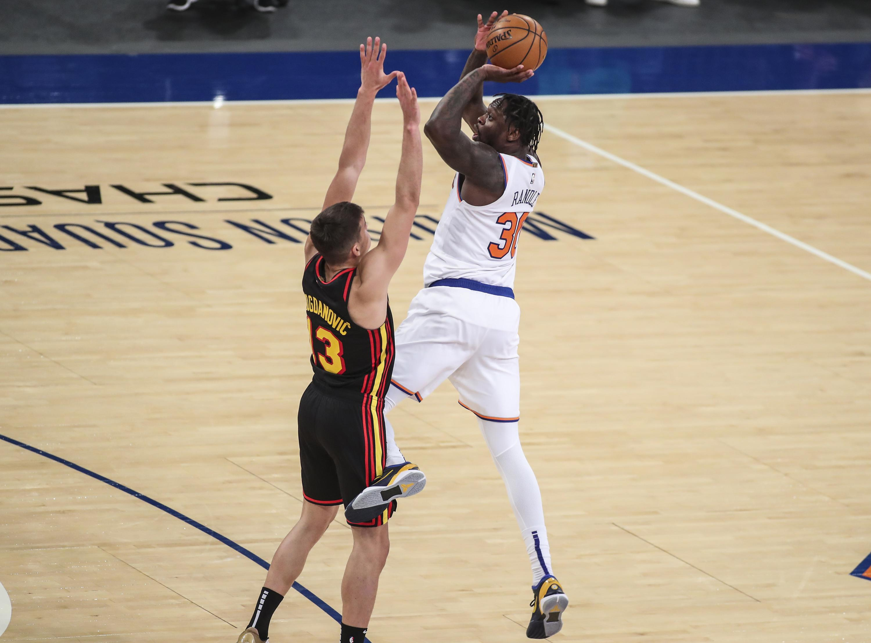 Randle leads Knicks past Hornets in OT, tie Atlanta for 4th