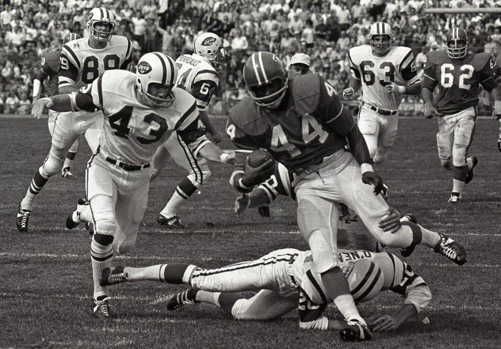 Floyd Little of Syracuse and Denver Broncos, dies at 78