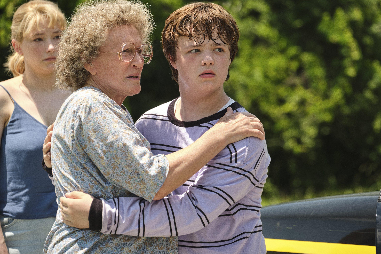 Review: A 'Hillbilly Elegy' adaptation, hold the politics