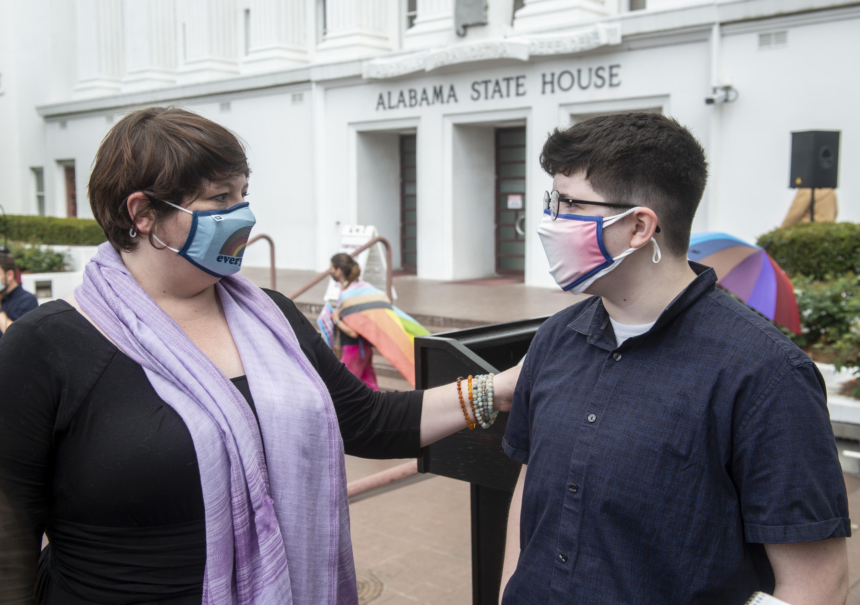 Families, doctors urge Alabama to reject trans treatment ban