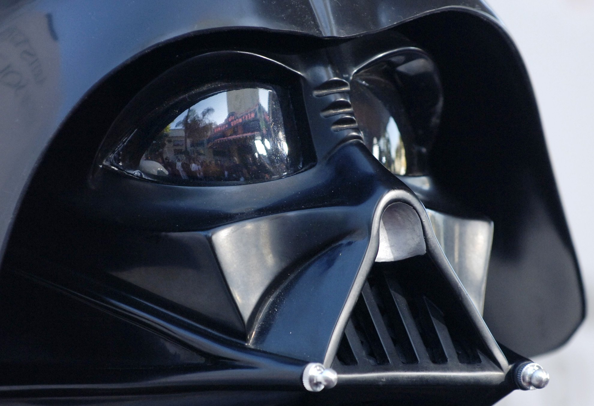 Dave Prowse, actor who played Darth Vader, dies at 85