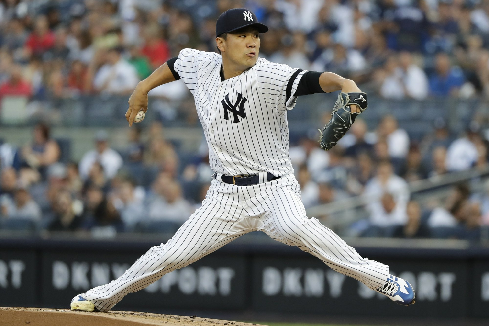 Tanaka, Judge help Yankees rebound with 3-2 win over Indians