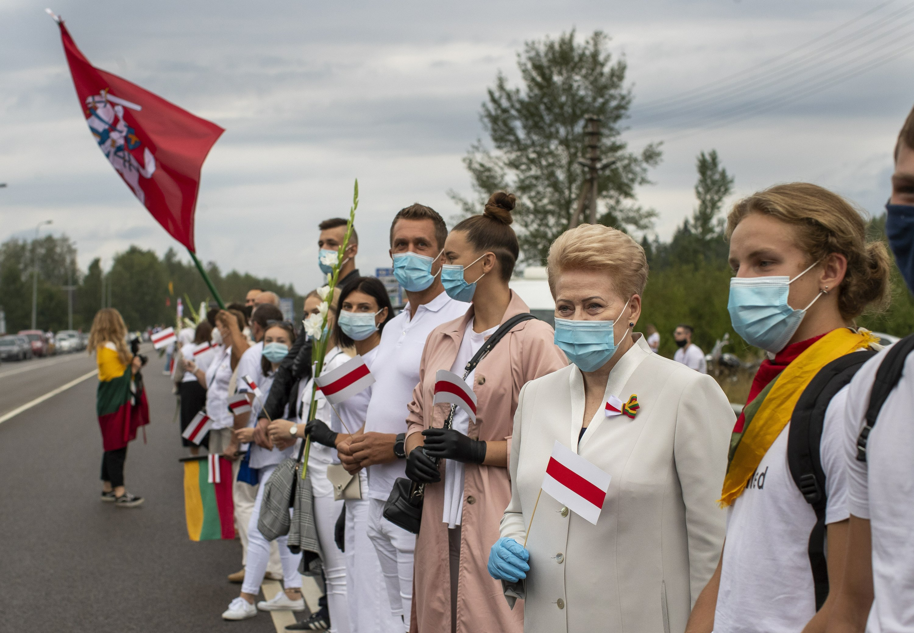 Lithuanians form human chain to back democracy in Belarus