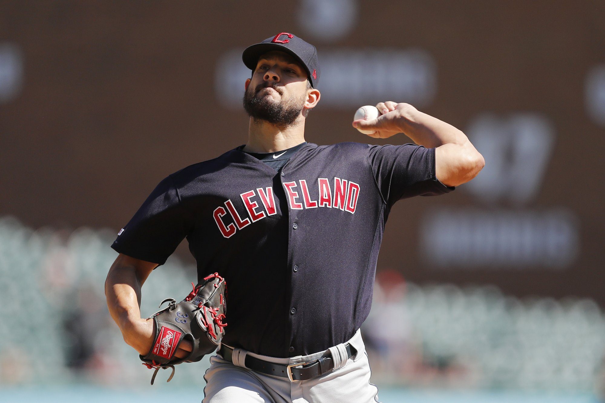 With Hand out, Indians bring up Karinchak for Twins series