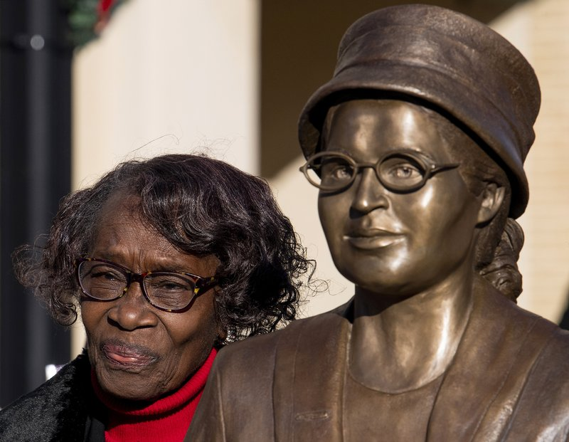 complicazioni Strada principale Immunità  Alabama unveils statue of civil rights icon Rosa Parks