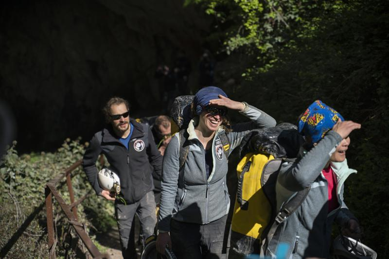15 emerge after 40 days in cave in French scientific experiment