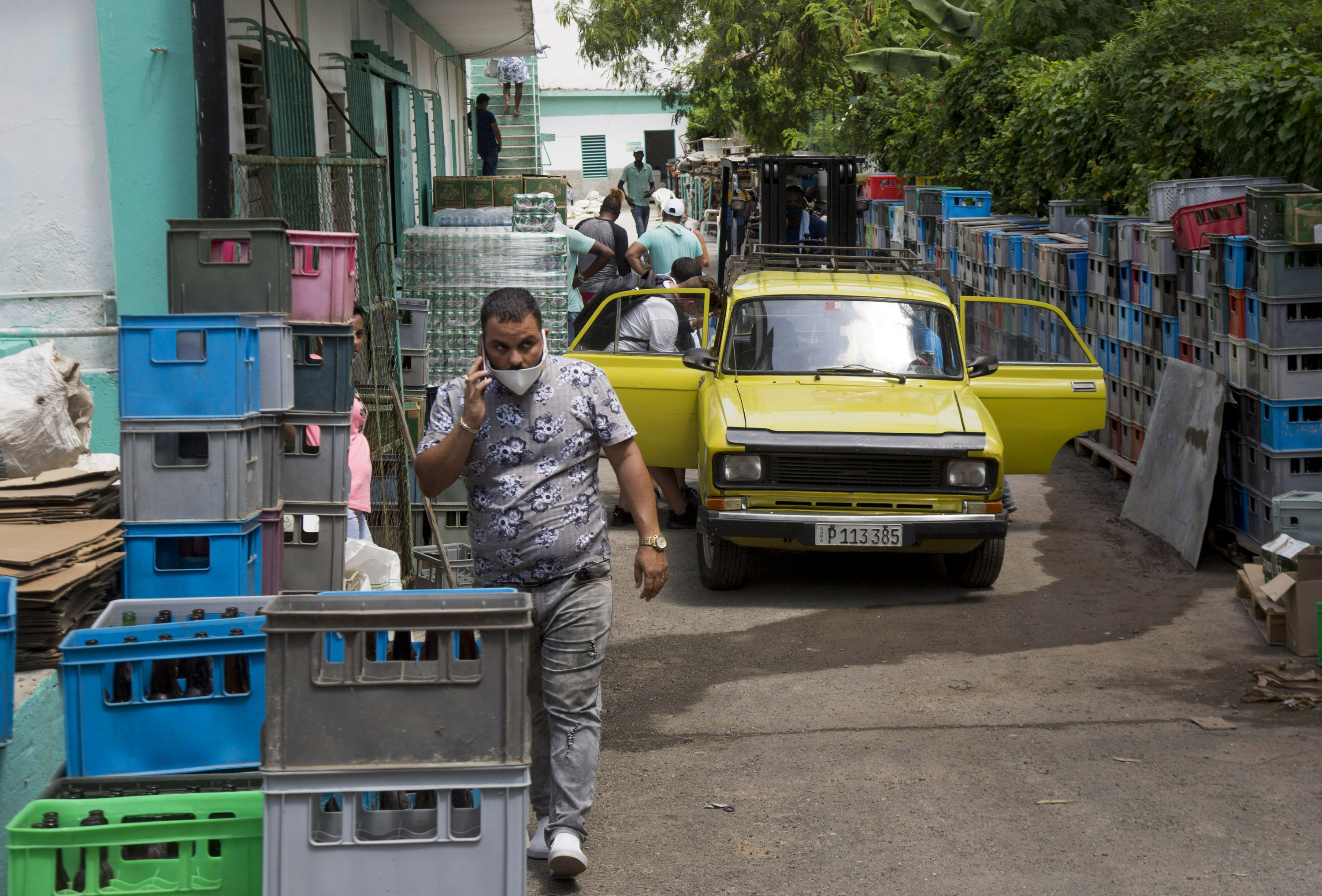 Economy Tanking Cuba Launches Some Long Delayed Reforms