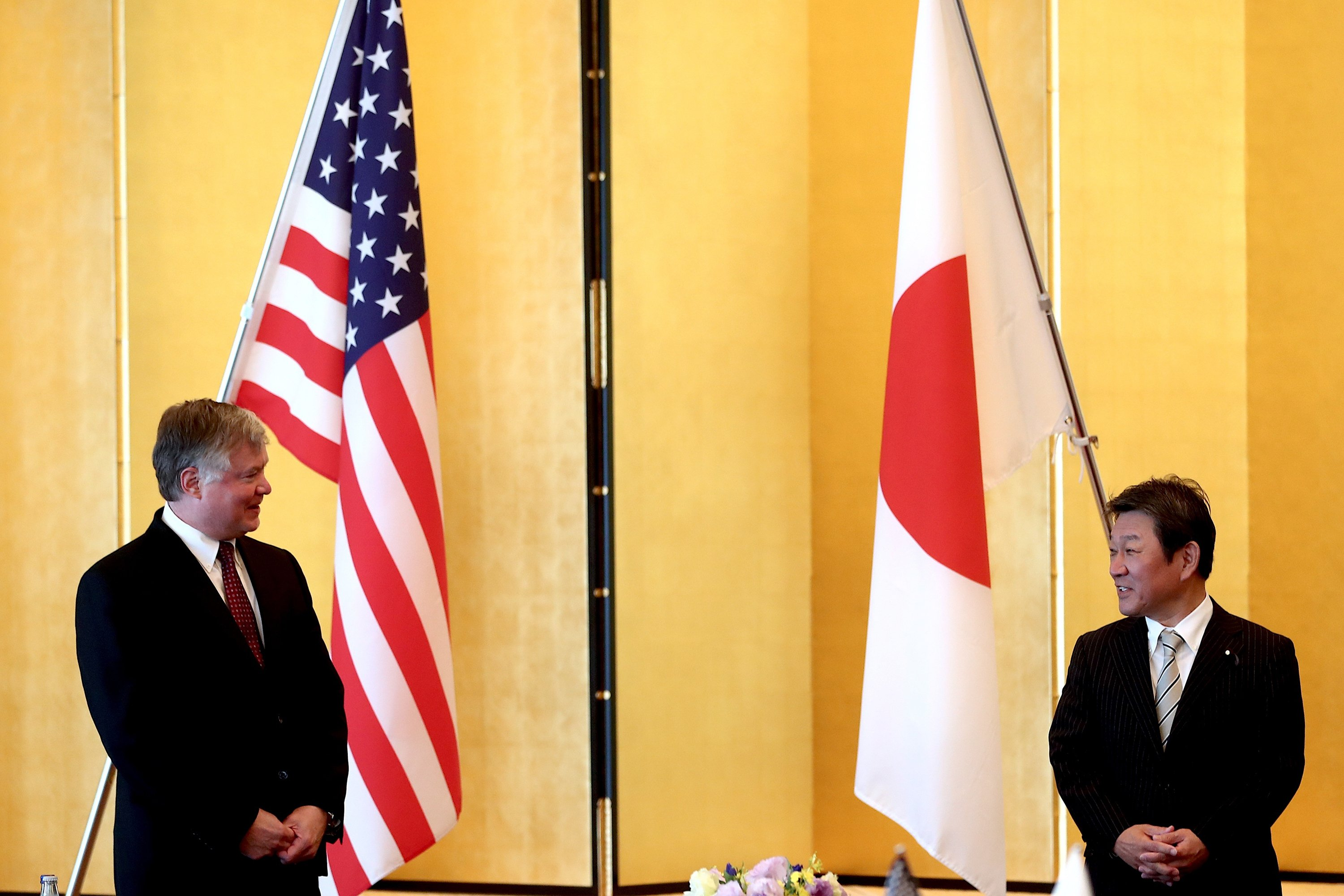 US envoy, after Seoul go to, reassures Japan of alliance thumbnail