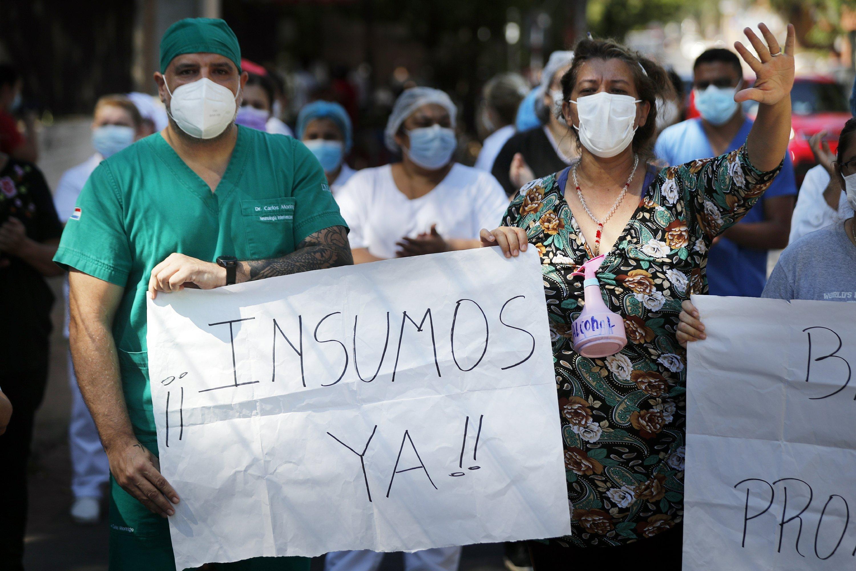Paraguay: colapsan hospitales, suspenden cirugías por COVID