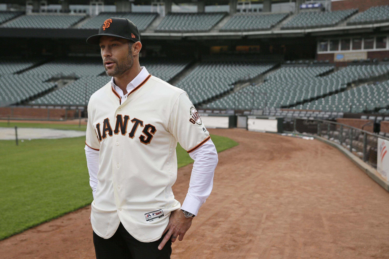 Kapler enjoys new digs as San Francisco Giants manager