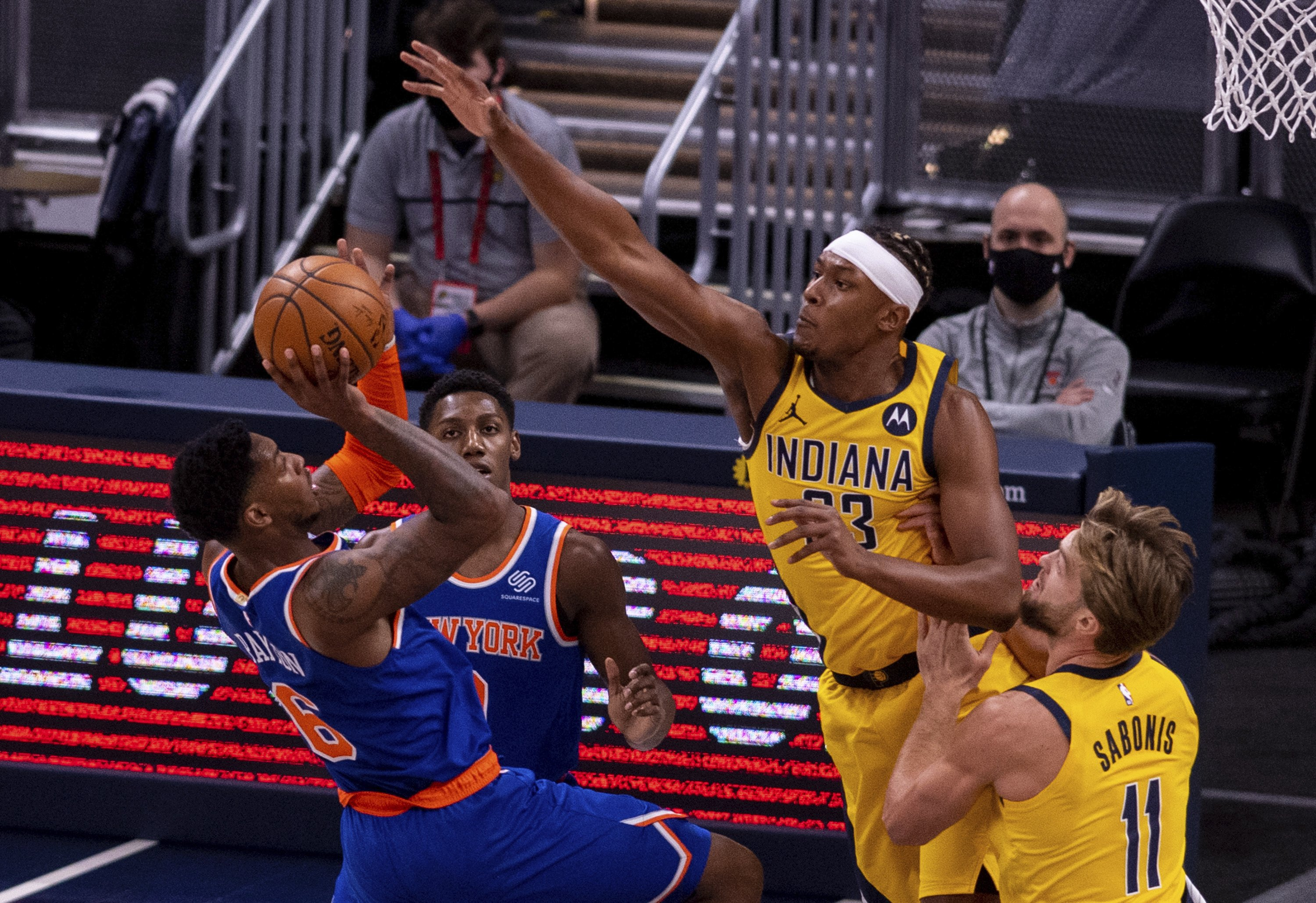 Rivers helps Knicks rally late to get past Pacers 106-102