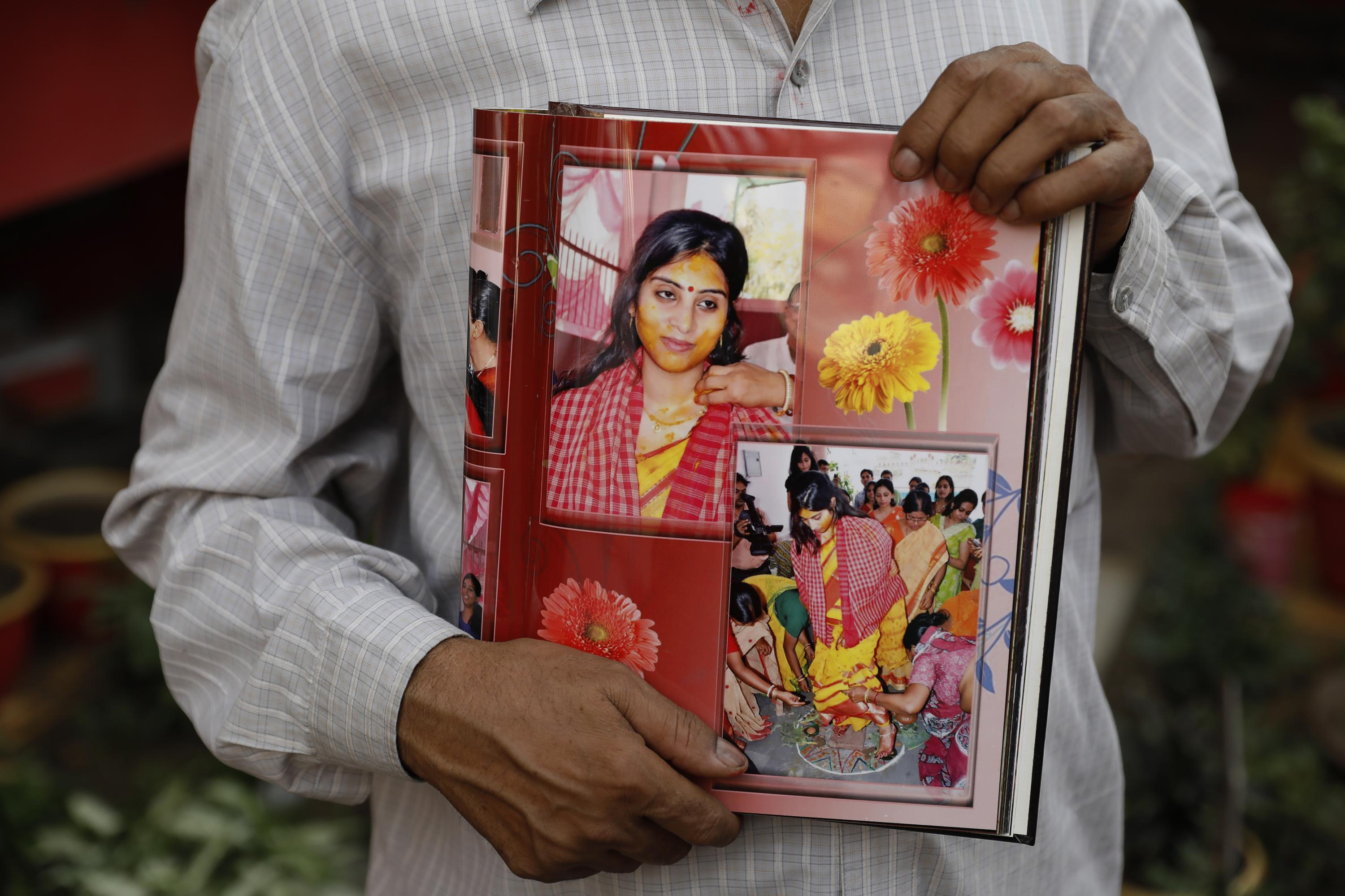 As India's surge wanes, families deal with the devastation