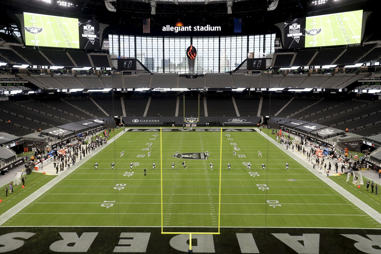 Column: Big night for Las Vegas Raiders, their new hometown