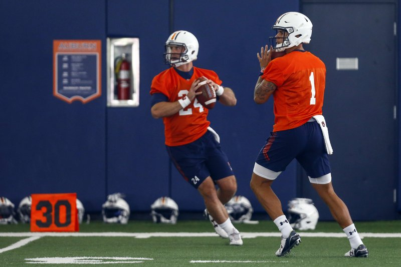 Freshmen Gatewood, Nix open Auburn camp in QB competition