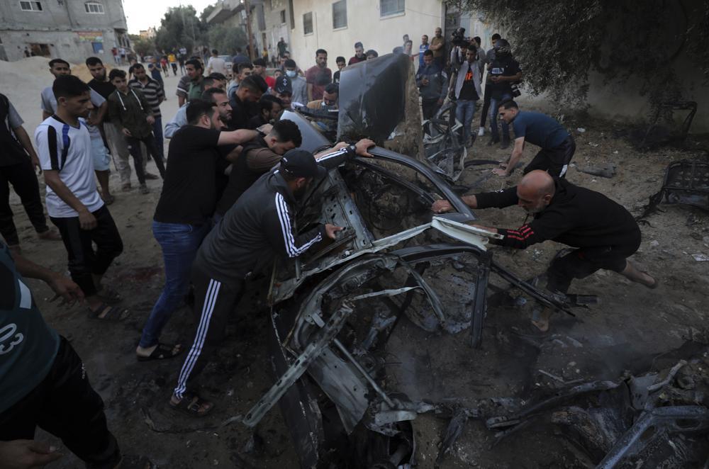 Israel-Hamas Conflict Rages as Israeli Strike Demolishes Tower Housing Media