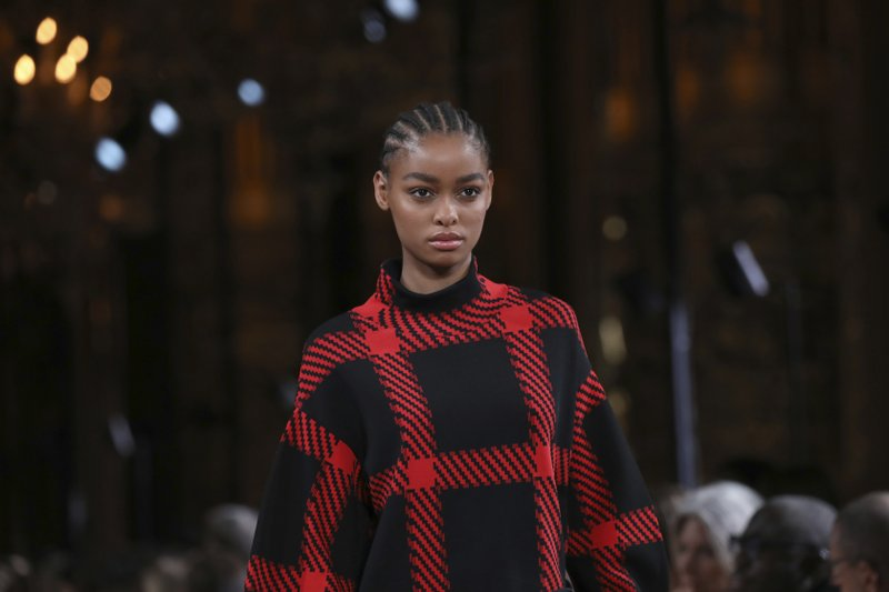 Ecology And Kinetic Styles Grace Paris Fashion Week Shows