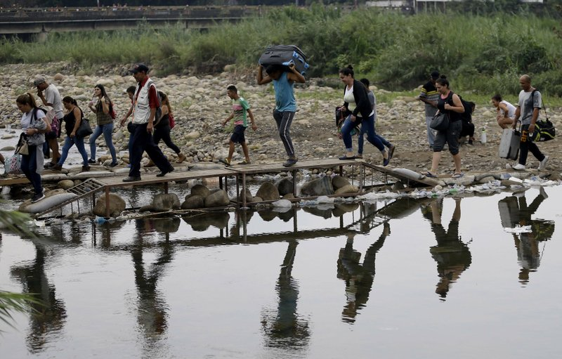 Colombia to legalize undocumented Venezuelan migrants and refugees through a new temporary protection statute