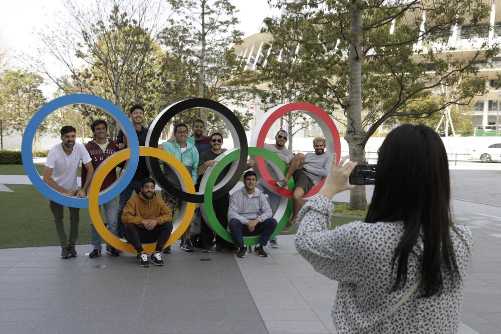 "World Athletics president Seb Coe says the Olymic world is managing the coronavirus plague ""increasingly hour by hour"""