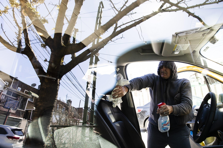 Docs, nurses give taxi driver rare fares during pandemic
