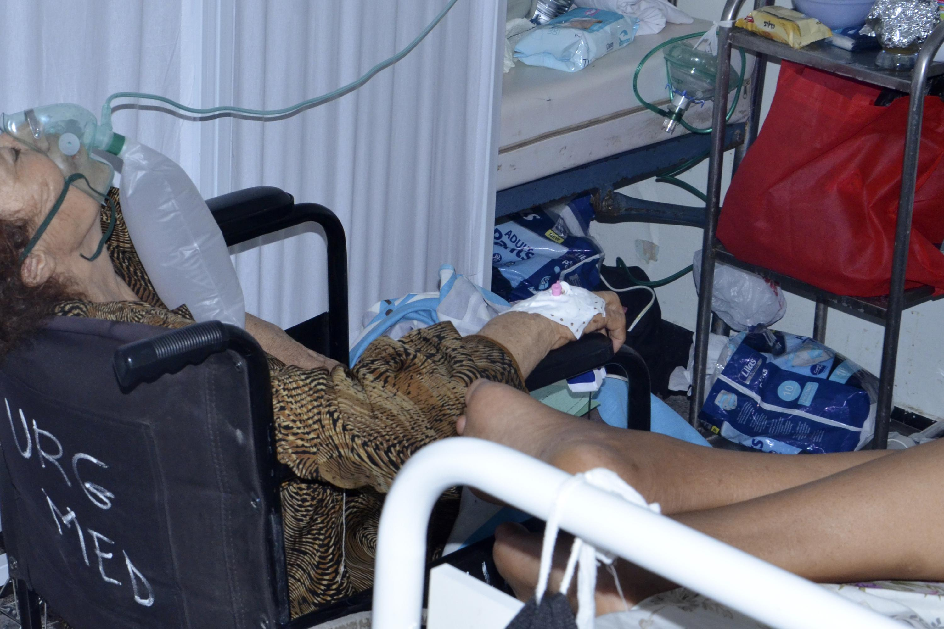As COVID-19 surges in Tunisia, oxygen is in short supply