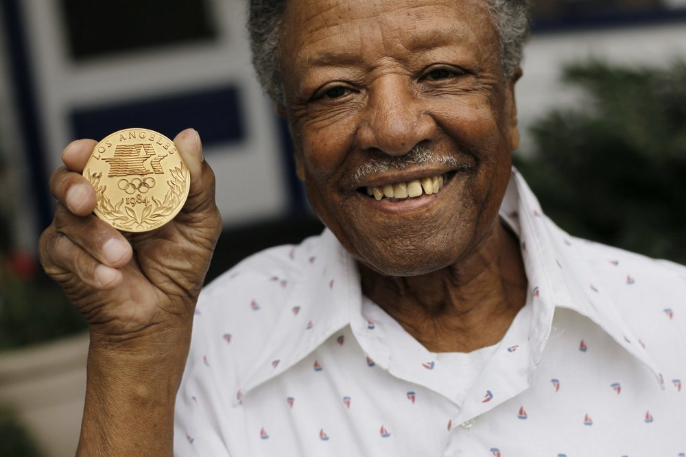 Carmen Williamson, a top U.S. amateur boxer,  the first black boxing referee and judge at the Olympic games dies t the age of 94