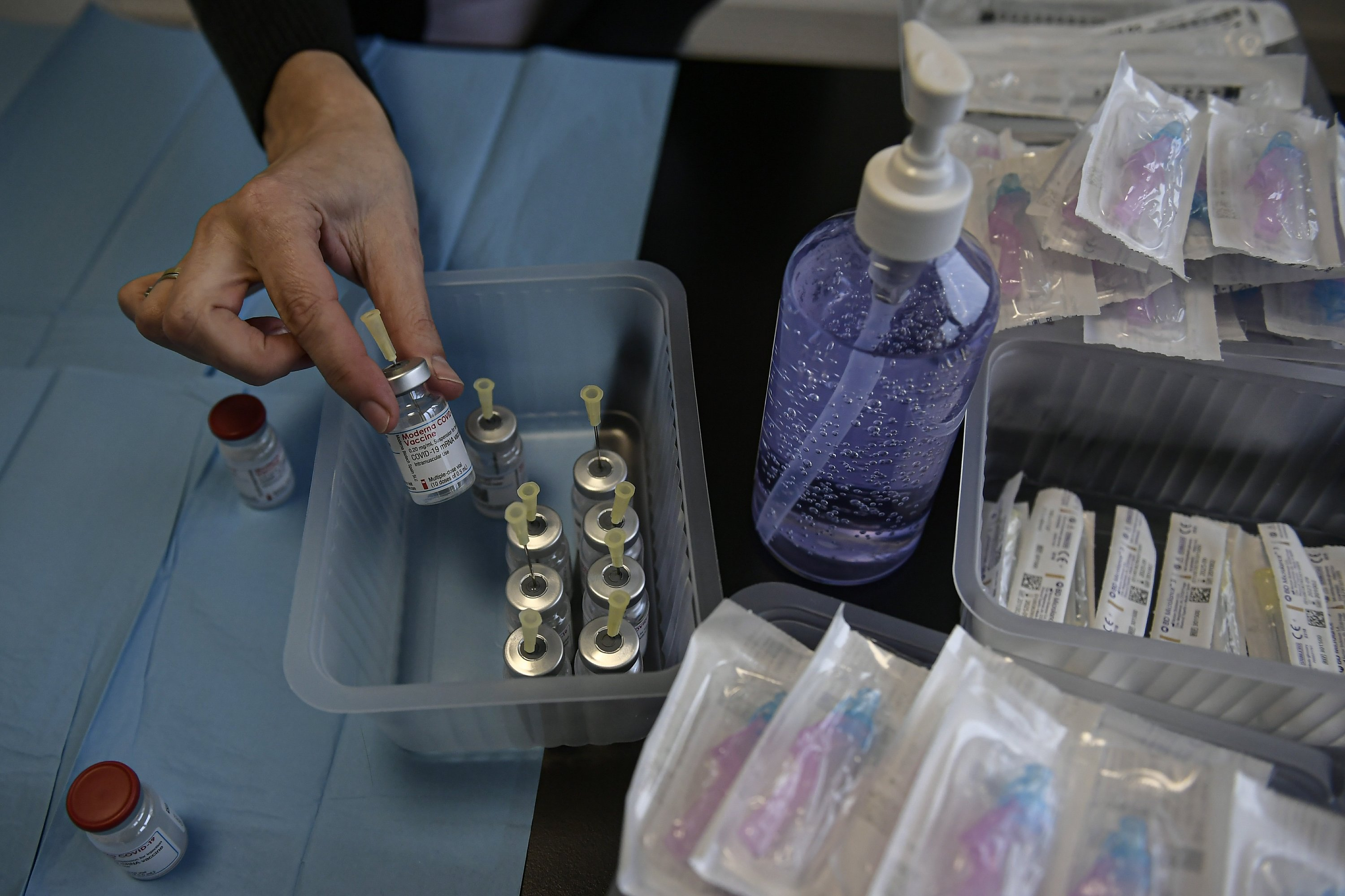 Spain running short of vaccines due to delivery delays