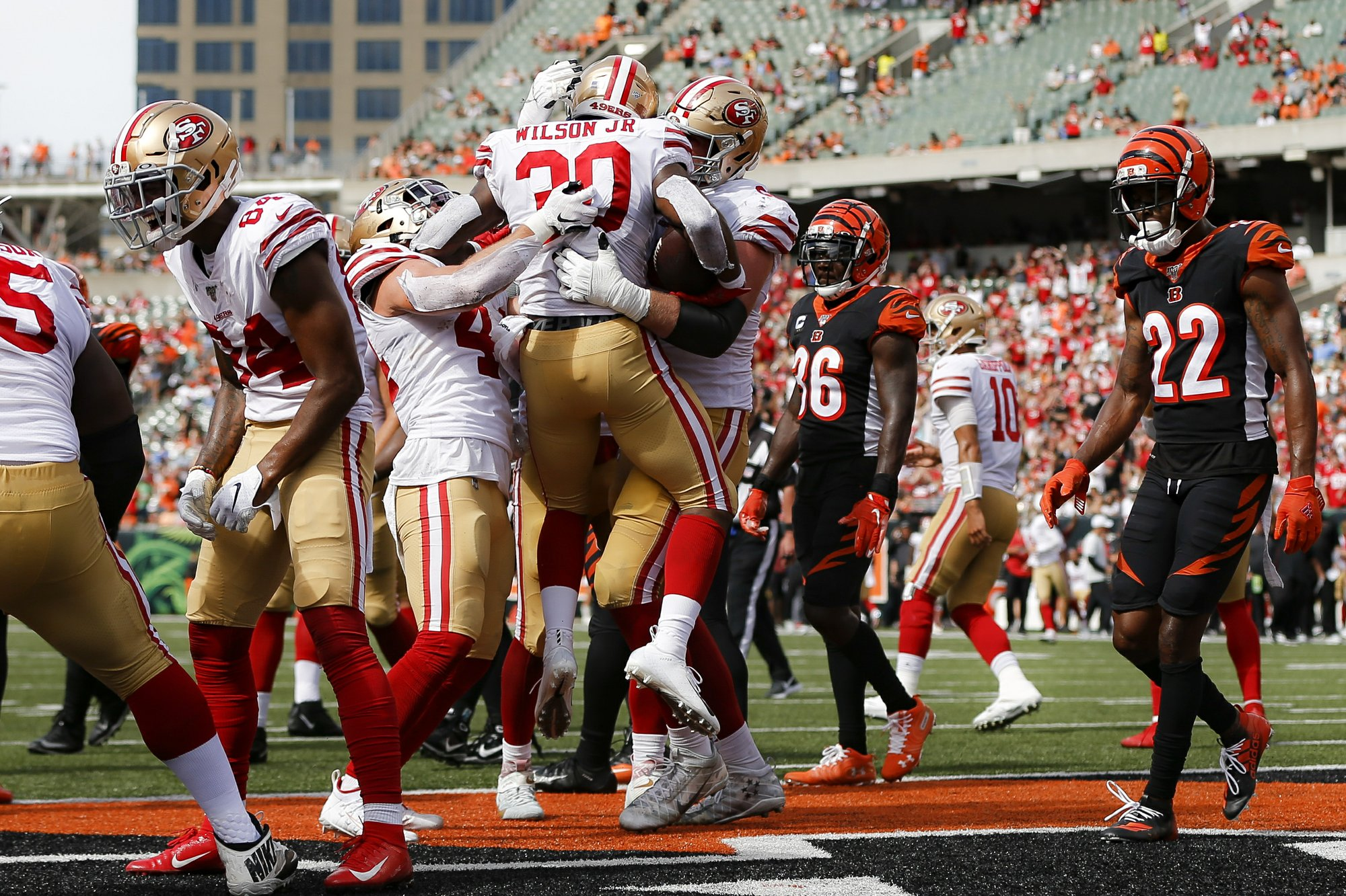 49ers return home after successful road trip to start season