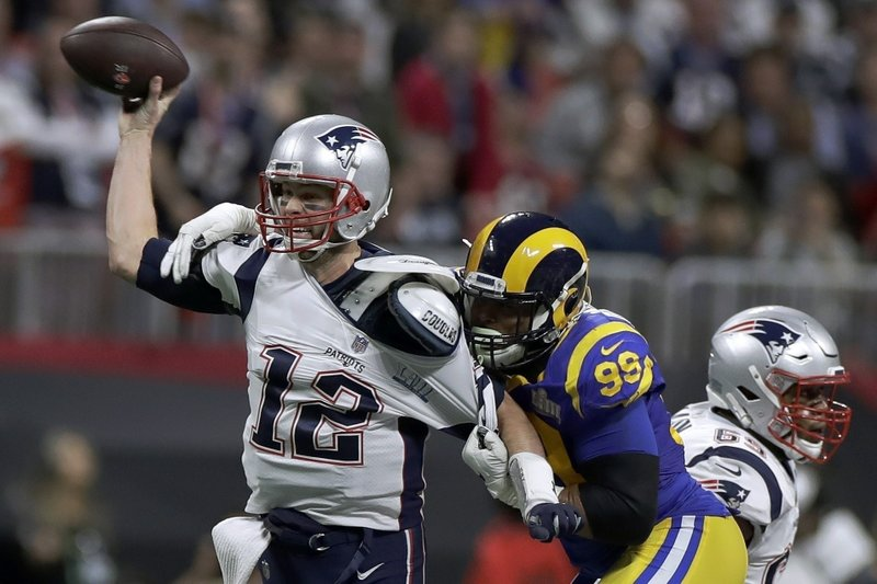 buy popular 2d292 f67c0 After social media complaints, Brady makes nice with refs