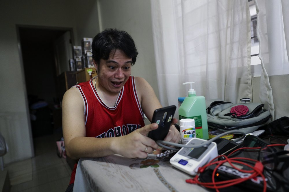 Recovered Filipino doctor back helping patients