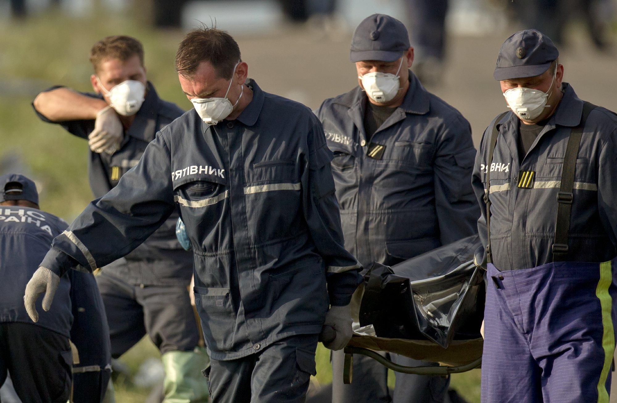 Víctimas del jet, cargadas en un tren a Donetsk