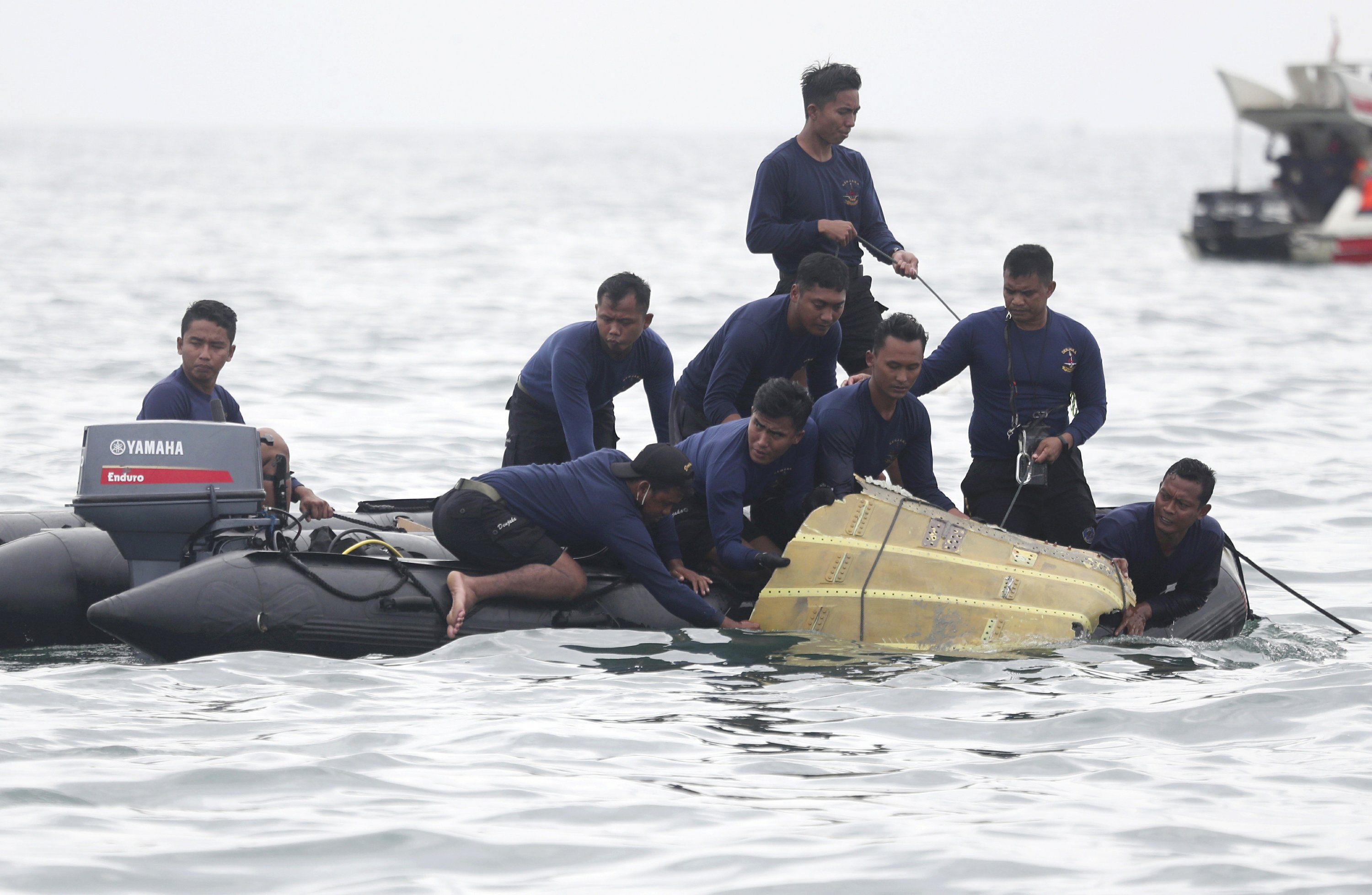 Indonesia intensifies search for crashed plane's black boxes - The Associated Press