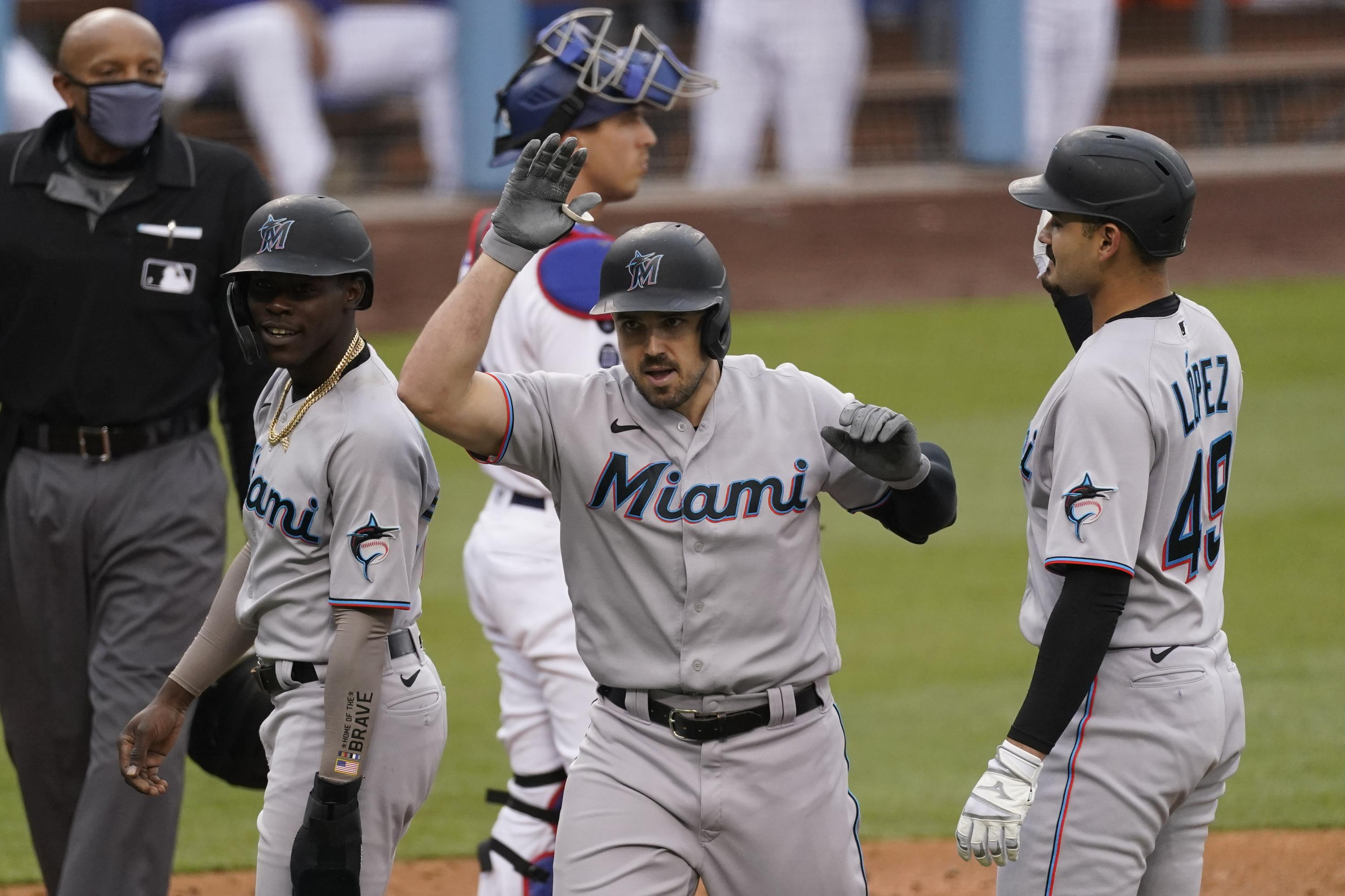 Duvall hits another 3-run HR, Marlins hold off Dodgers 3-2
