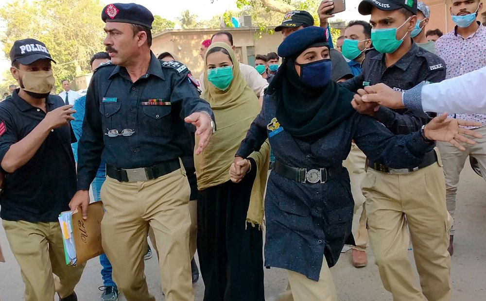 1,000 Pakistani girls are forced to convert to Islam each year