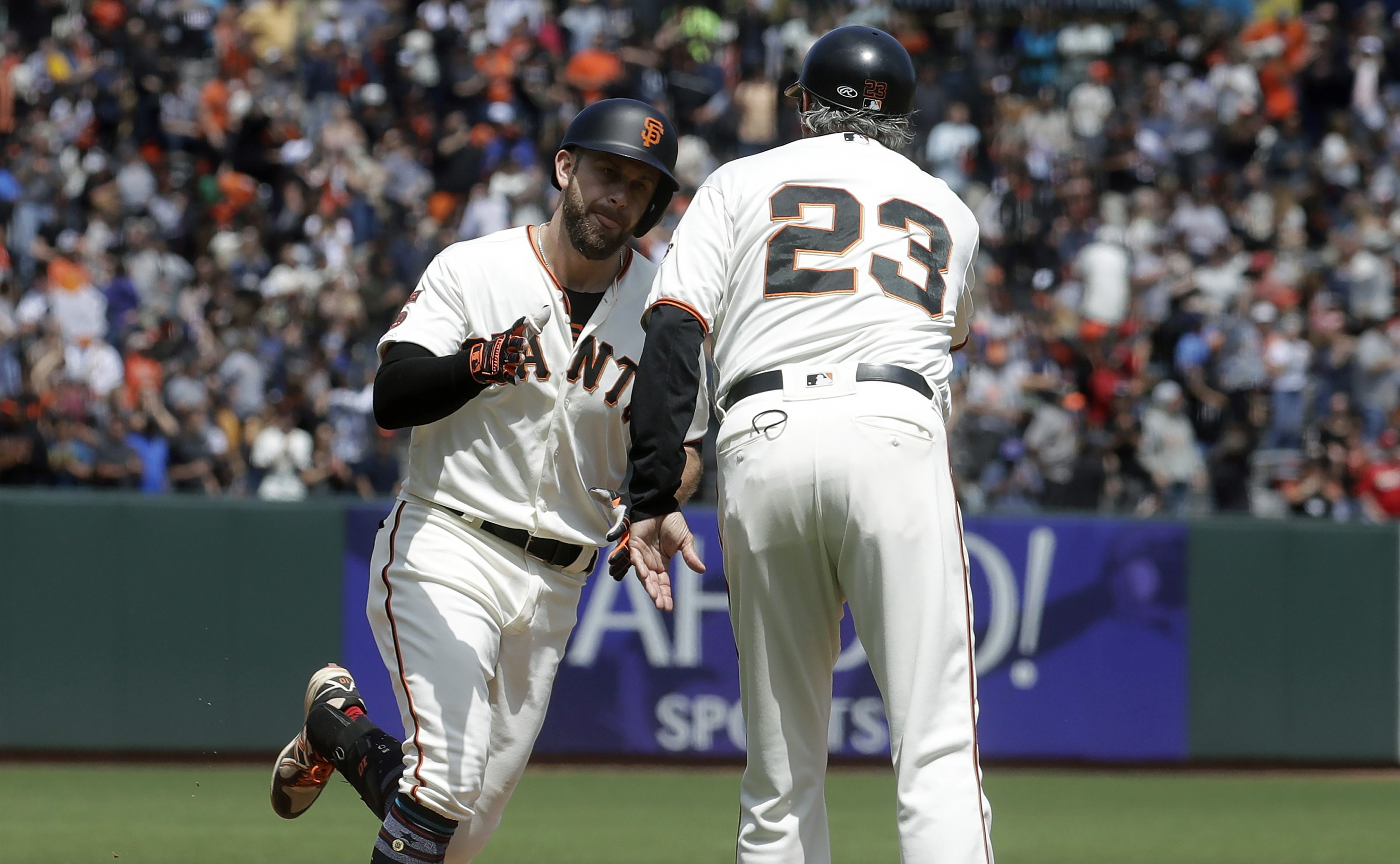 official photos 3da17 59fd4 Longoria's late home run lifts Giants past Cardinals