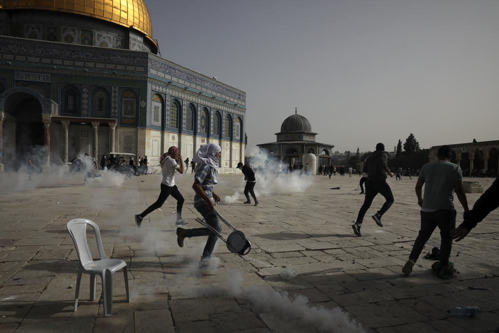 Another Night of Protests in East Jerusalem on Eve of Annual Flag-waving Display Parade