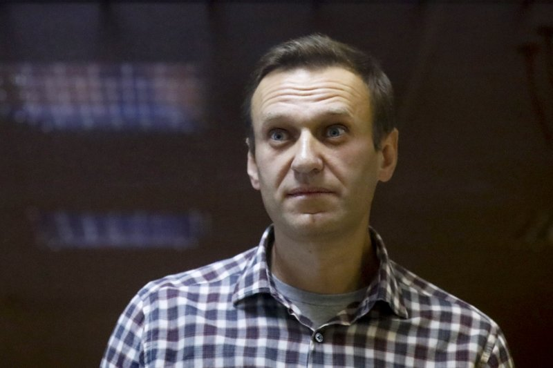 "Alexei Navalny's doctor says he ""could die at any moment"""