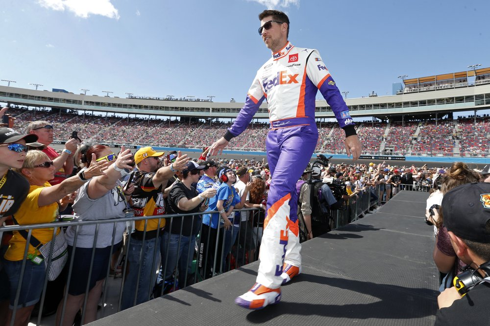 Tough field awaits Denny Hamlin as he pursues elusive 1st NASCAR title