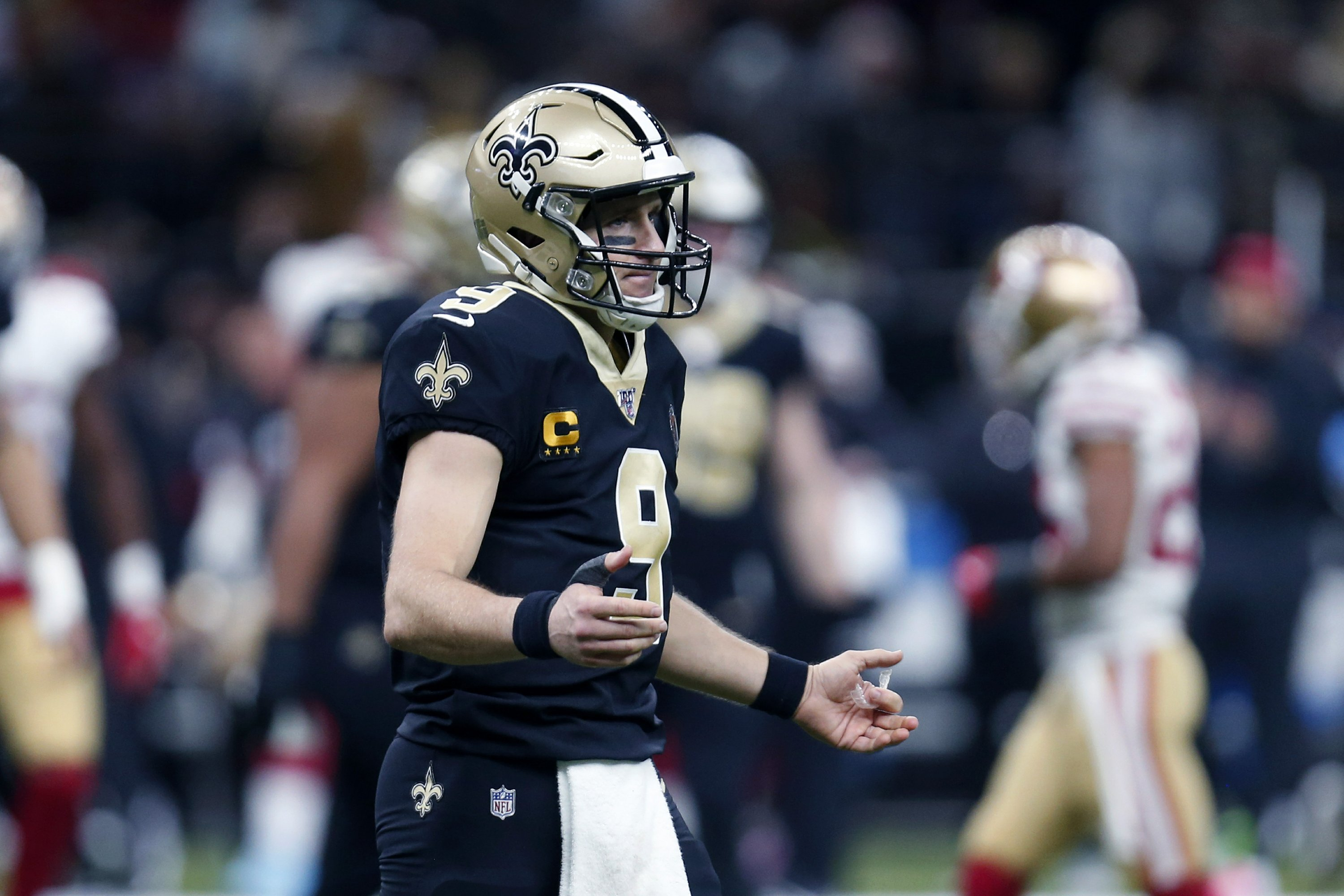 Saints' aggressiveness backfires in loss to 49ers