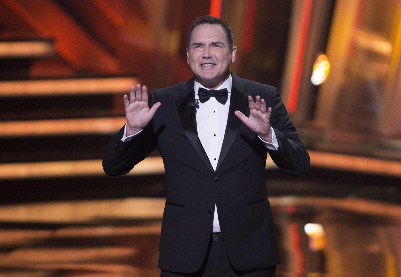O'Brien, Carrey, Dole praise 'comedy genius' Norm Macdonald - Associated Press