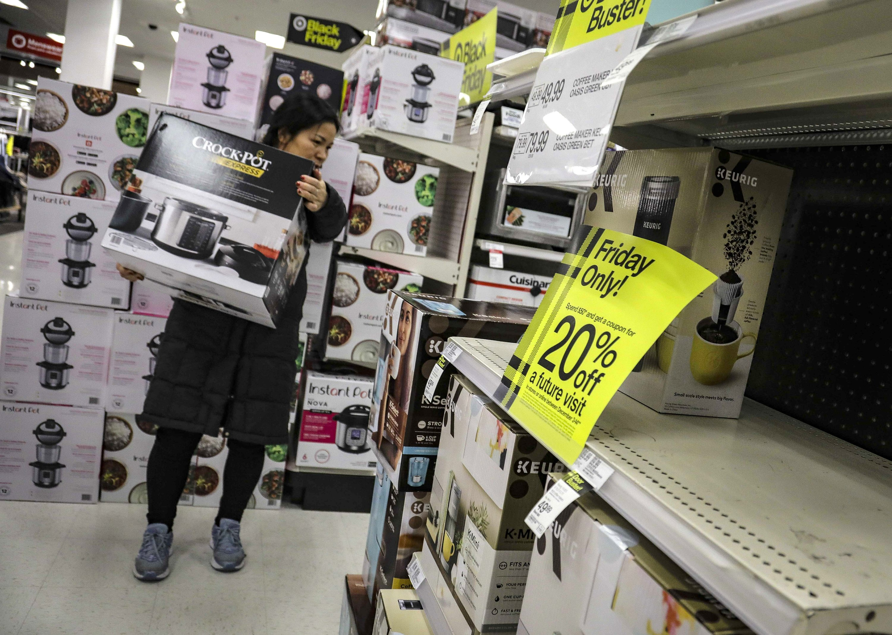 Retail trade group sees solid holiday sales despite pandemic