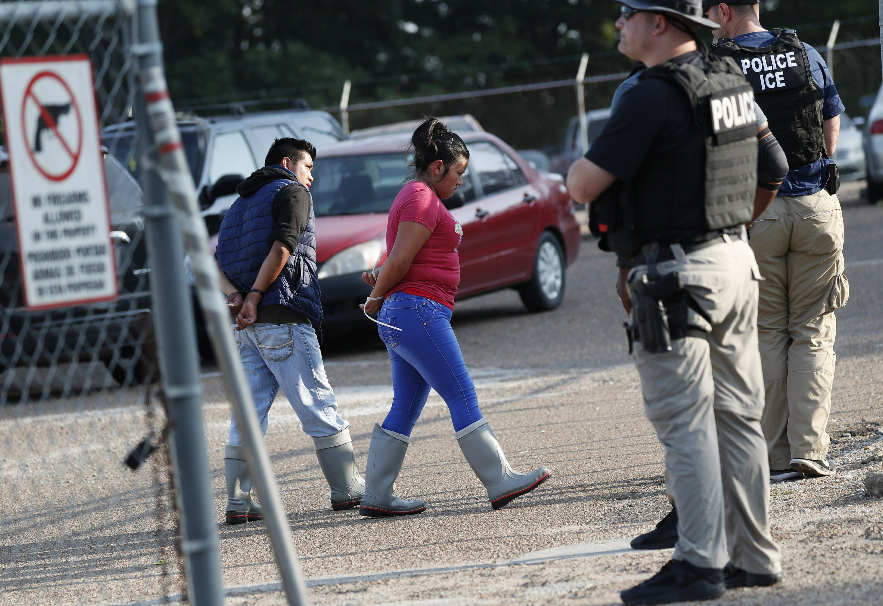 ICE raids food plants on day of Trump visit to grieving city