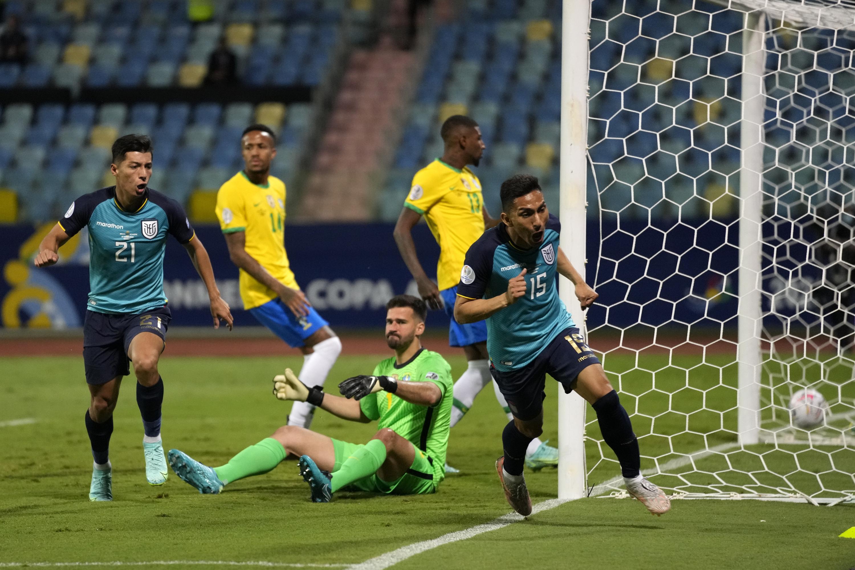Ecuador holds Brazil to 1-1 draw, advances at Copa America