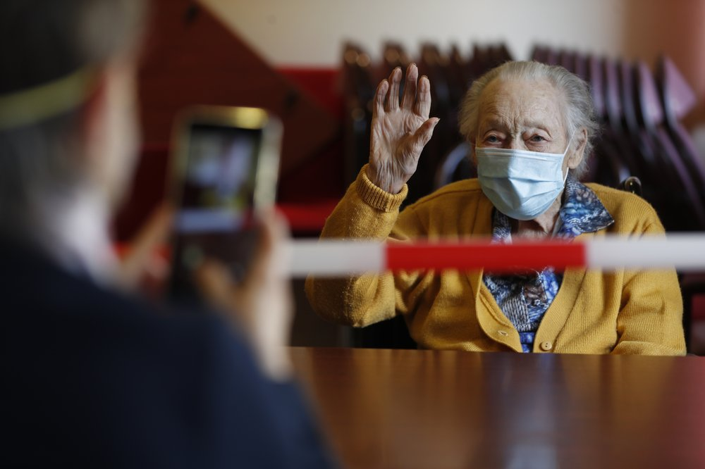 France starts allowing tightly regulated nursing home visits