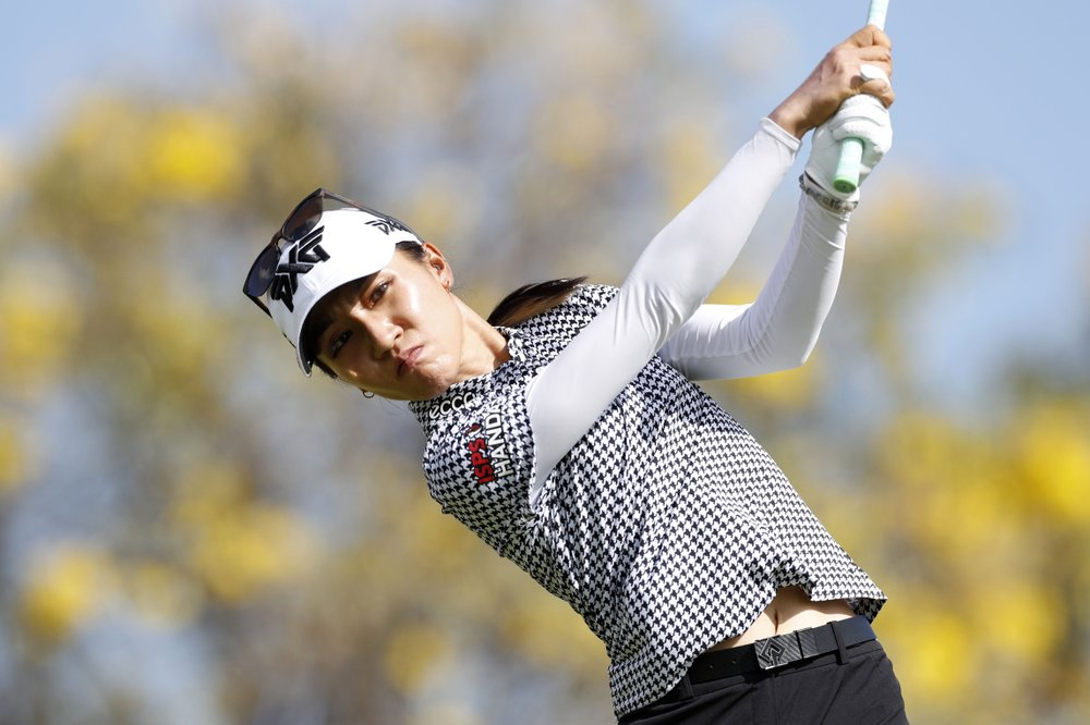 Lydia Ko wins Lotte Championship with tournament-record 28-under