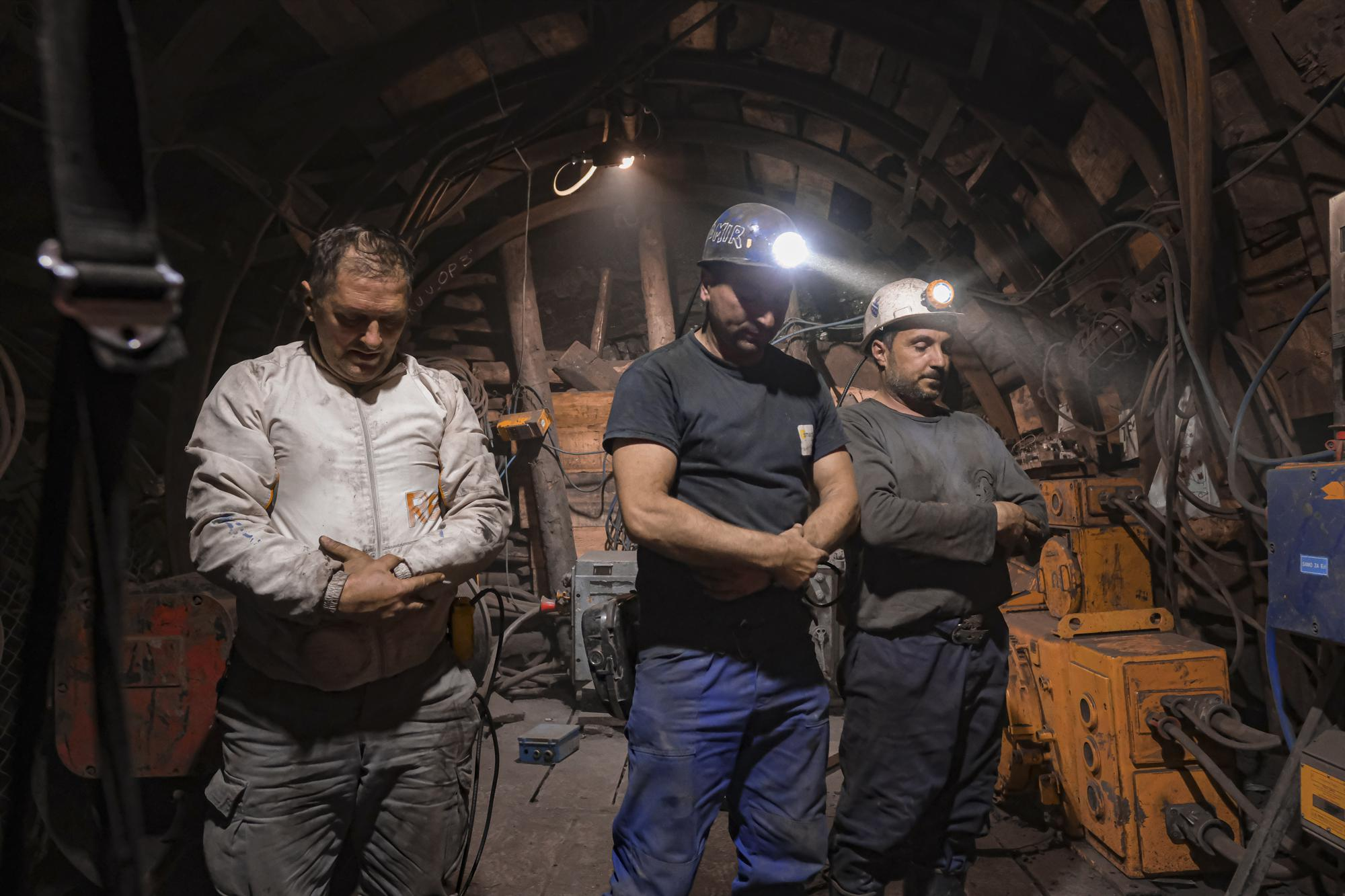 Подземный ифтар шахтеров-мусульман в Боснии | Фоторепортаж